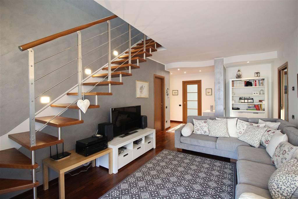Appartamento a MALGRATE 200 Mq | 5 Vani - Garage
