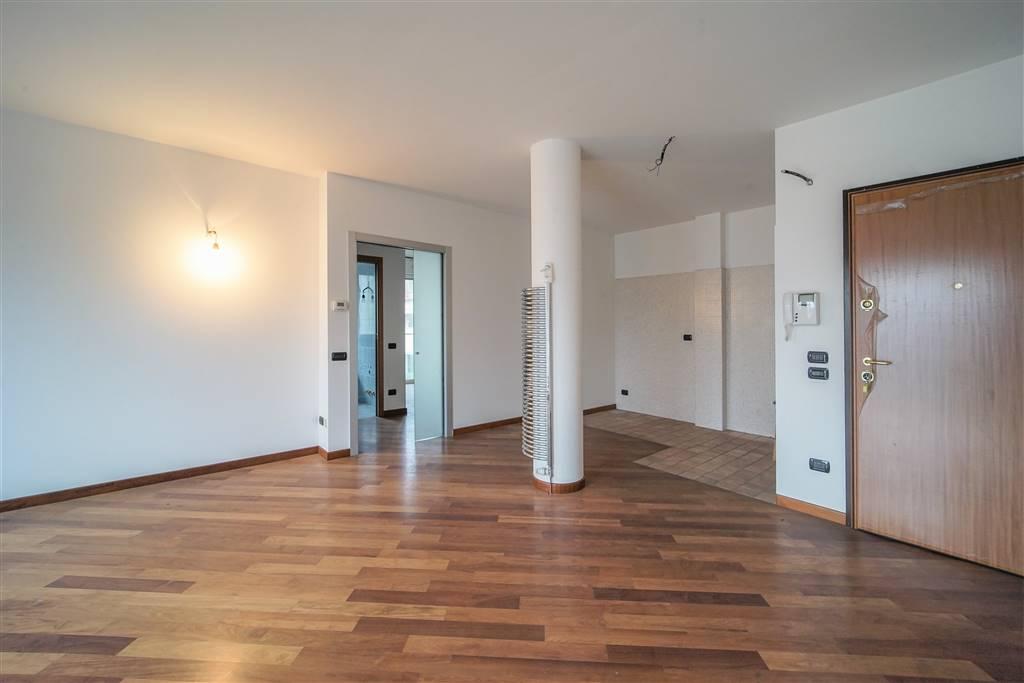 Appartamento in vendita a Lecco, 3 locali, zona Zona: S. Giovanni/Olate, prezzo € 190.000 | CambioCasa.it