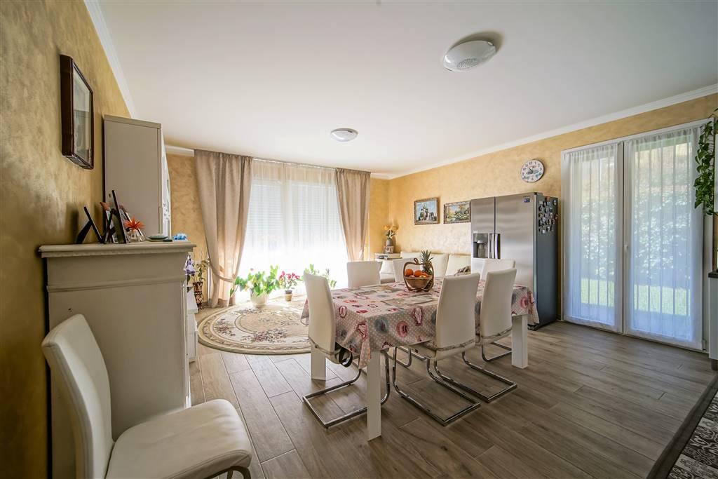 Appartamento in vendita a Pescate, 3 locali, prezzo € 220.000 | CambioCasa.it