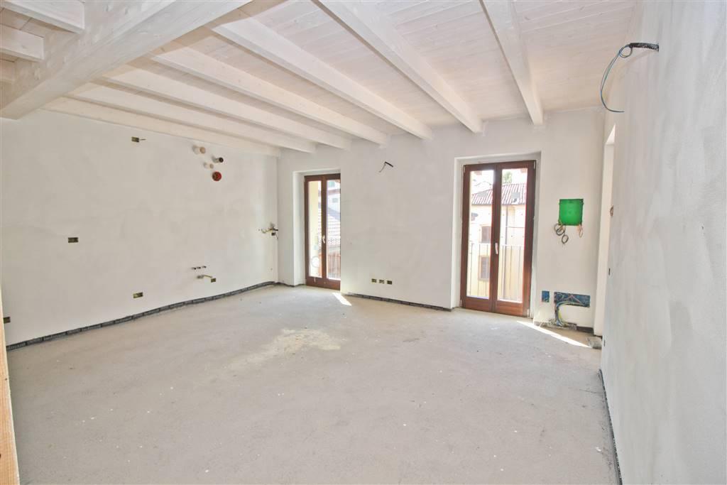 Appartamento in vendita a Brivio, 3 locali, prezzo € 165.000 | CambioCasa.it