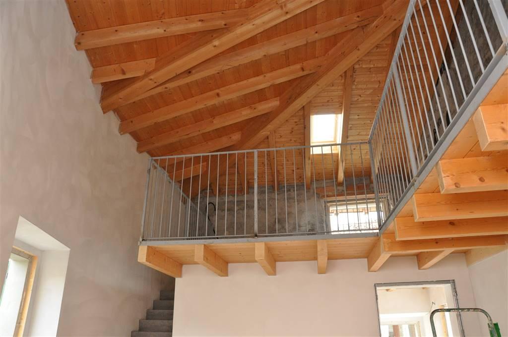 Appartamento in vendita a Brivio, 3 locali, prezzo € 215.000 | CambioCasa.it