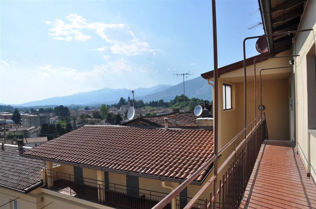 Appartamento in vendita a Oggiono, 3 locali, prezzo € 85.000 | CambioCasa.it