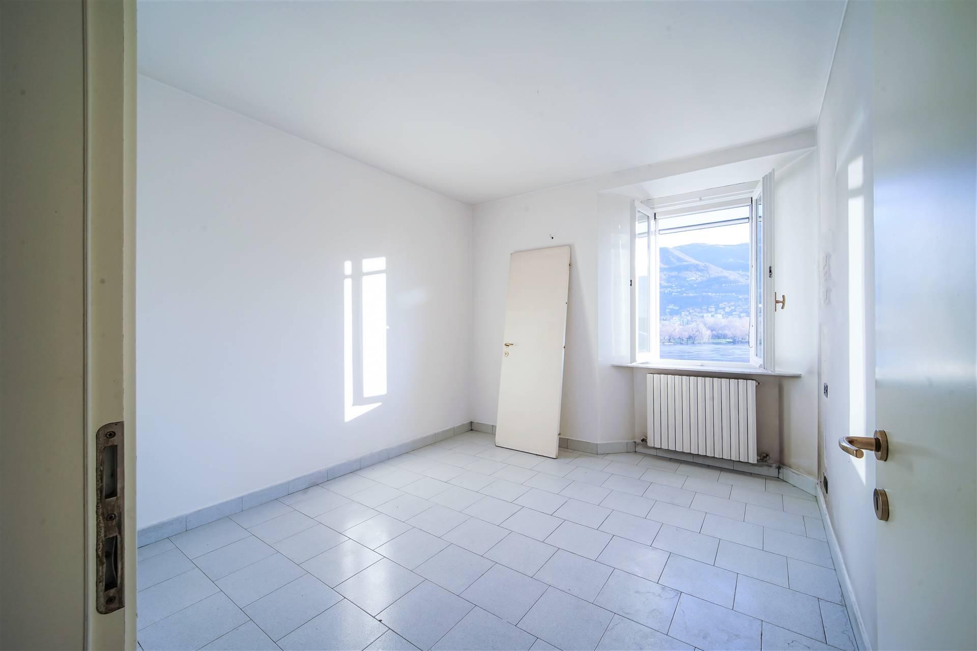 Appartamento in vendita a Olginate, 3 locali, prezzo € 100.000   CambioCasa.it