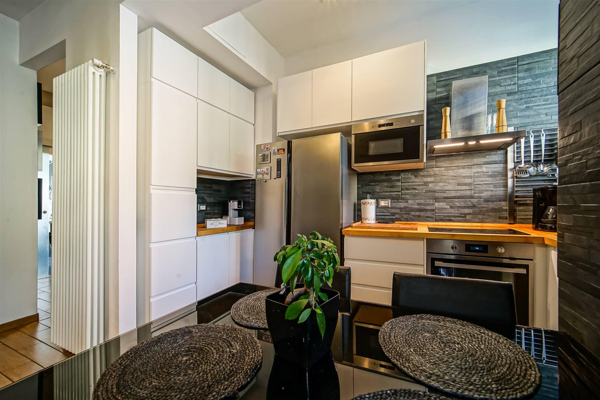 Appartamento in vendita a Lecco, 3 locali, zona Zona: Germanedo, prezzo € 125.000 | CambioCasa.it