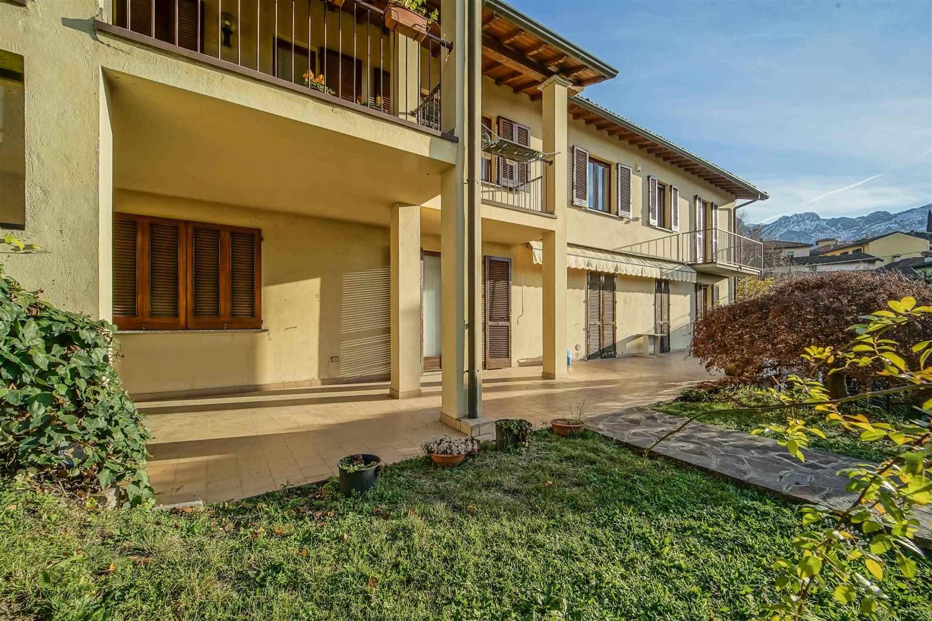 Villa Bifamiliare in vendita a Lecco, 5 locali, zona Zona: Rancio, prezzo € 330.000 | CambioCasa.it