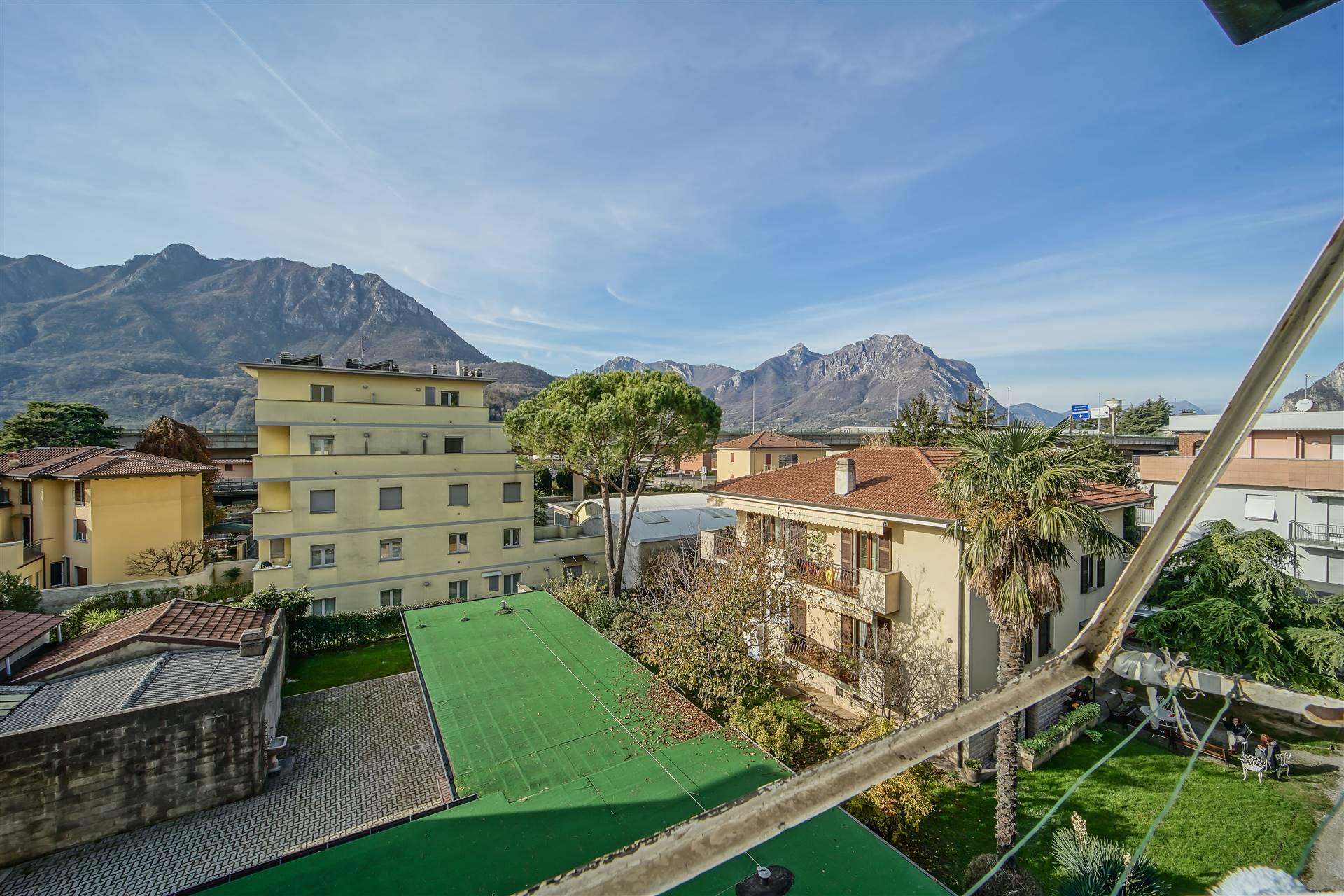 Palazzo / Stabile in vendita a Lecco, 8 locali, zona Zona: Belledo, prezzo € 385.000 | CambioCasa.it