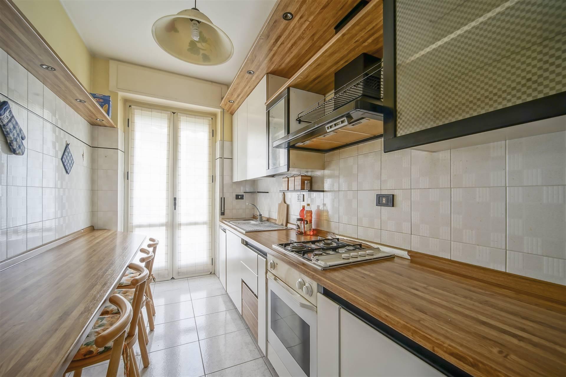 Appartamento in vendita a Lecco, 3 locali, zona Località: ZONA TURATI, prezzo € 185.000 | CambioCasa.it