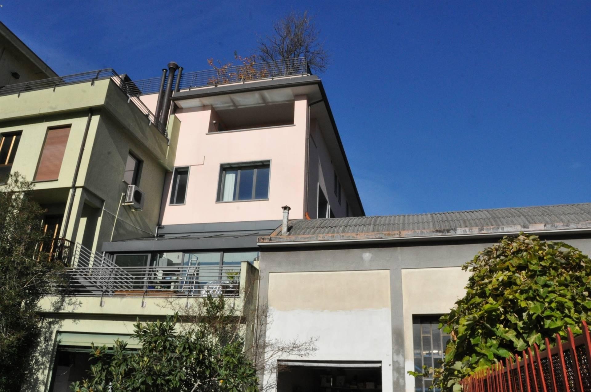 Ufficio / Studio in vendita a Lecco, 5 locali, zona Località: CALEOTTO, prezzo € 330.000   CambioCasa.it