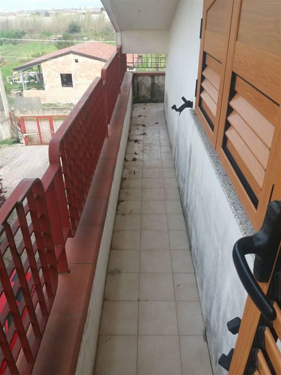 Appartamento in affitto a Pontecagnano Faiano, 3 locali, zona Località: LE QUATTRO PALAZZINE, prezzo € 400 | CambioCasa.it