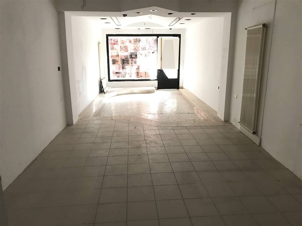 CHIOGGIA CENTRO, CHIOGGIA, Shop for rent of 56 Sq. mt., Good condition, Heating Individual heating system, Energetic class: G, placed at Ground on 2,