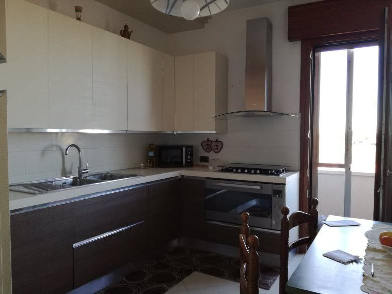 SOTTOMARINA, CHIOGGIA, Apartment for sale of 90 Sq. mt., Habitable, Heating Individual heating system, placed at 4° on 4, composed by: 4 Rooms,