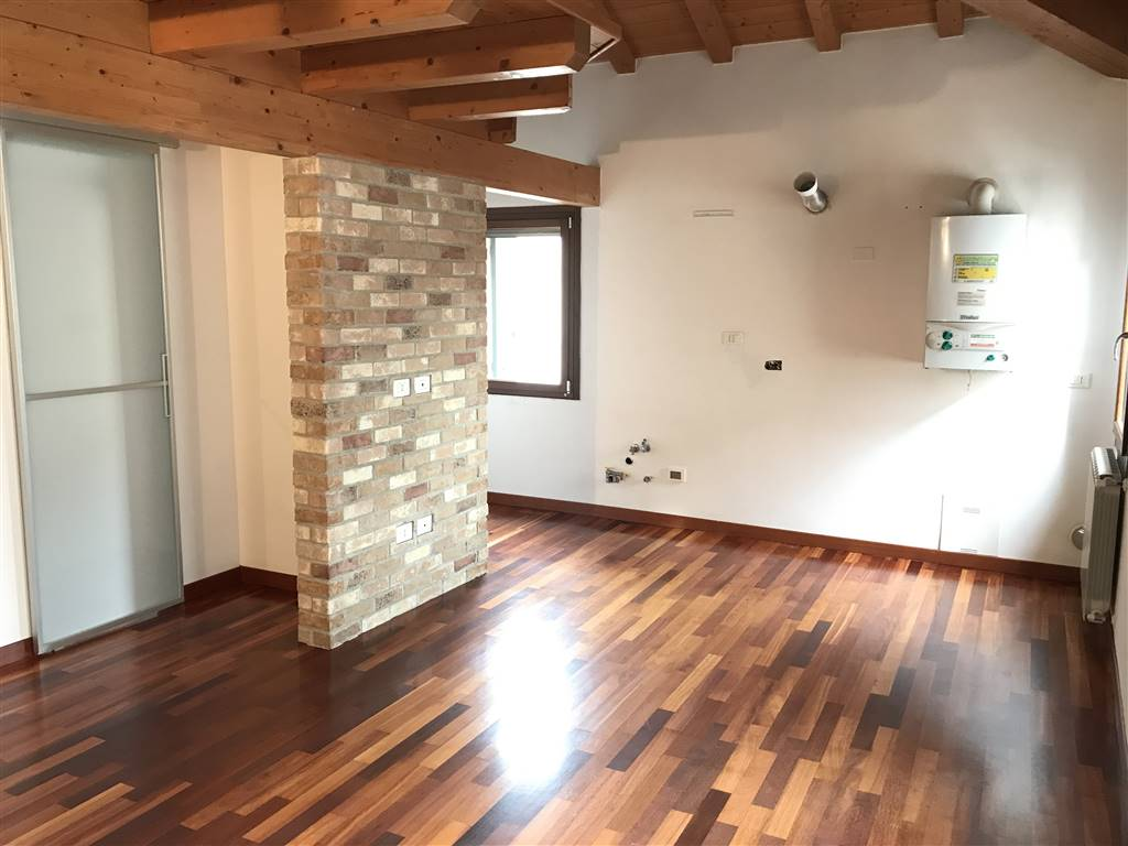 CHIOGGIA CENTRO, CHIOGGIA, Apartment for sale of 35 Sq. mt., Excellent Condition, Heating Individual heating system, Energetic class: G, placed at 3°,
