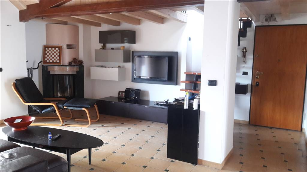 BORGO SAN GIOVANNI, CHIOGGIA, Apartment for sale of 130 Sq. mt., Restored, Heating To floor, Energetic class: G, placed at 3°, composed by: 5 Rooms,