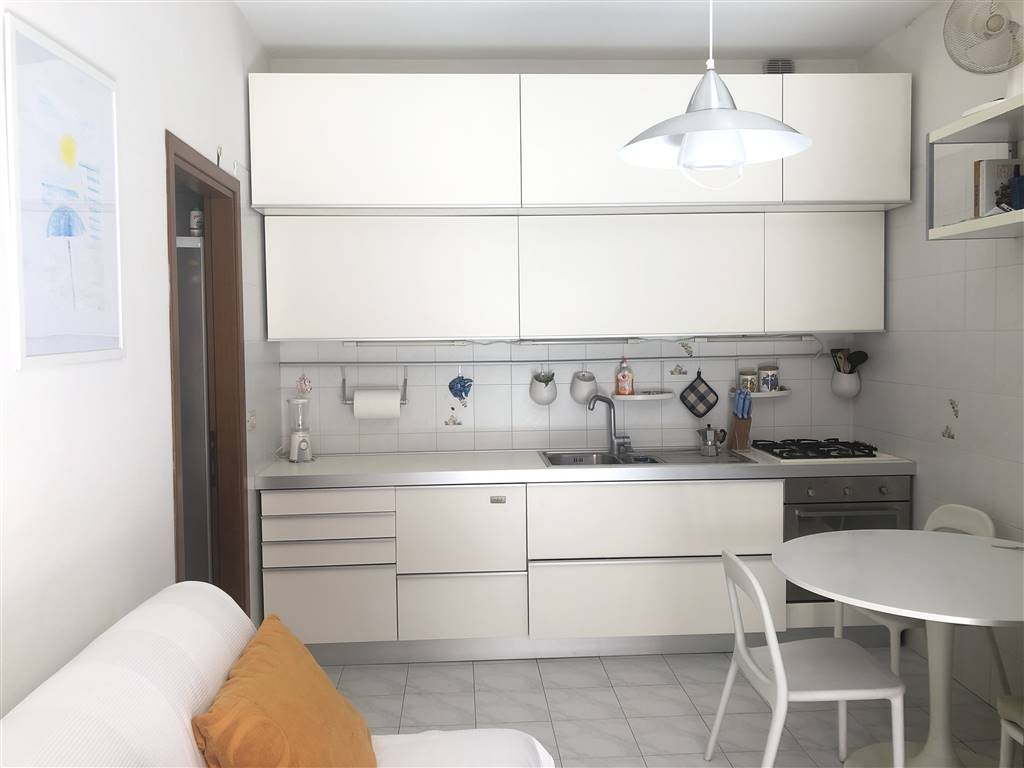 SOTTOMARINA, CHIOGGIA, Apartment for sale of 30 Sq. mt., Excellent Condition, Heating Individual heating system, Energetic class: G, placed at 1° on