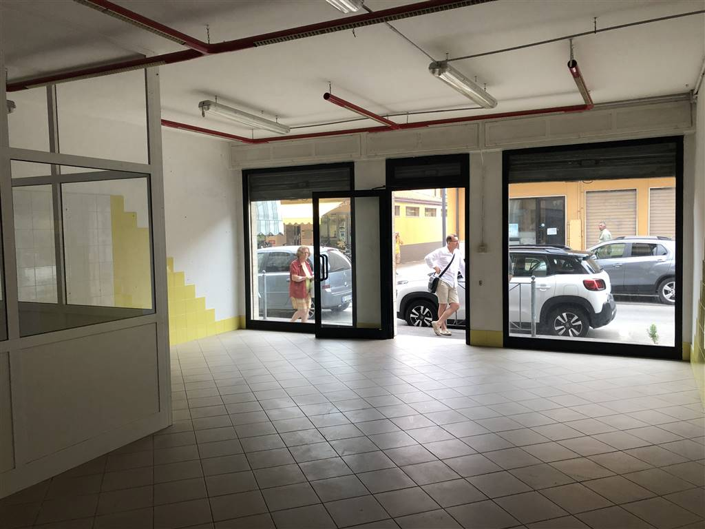 SOTTOMARINA, CHIOGGIA, Shop for sale of 65 Sq. mt., Good condition, Heating Individual heating system, Energetic class: G, placed at Raised, composed