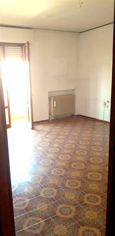 Rif. 2800 SALONI DI CHIOGGIA - Appartamento di circa 90 mq a Chioggia zona Saloni, situato al quarto e ultimo piano di una palazzina vicinissima al