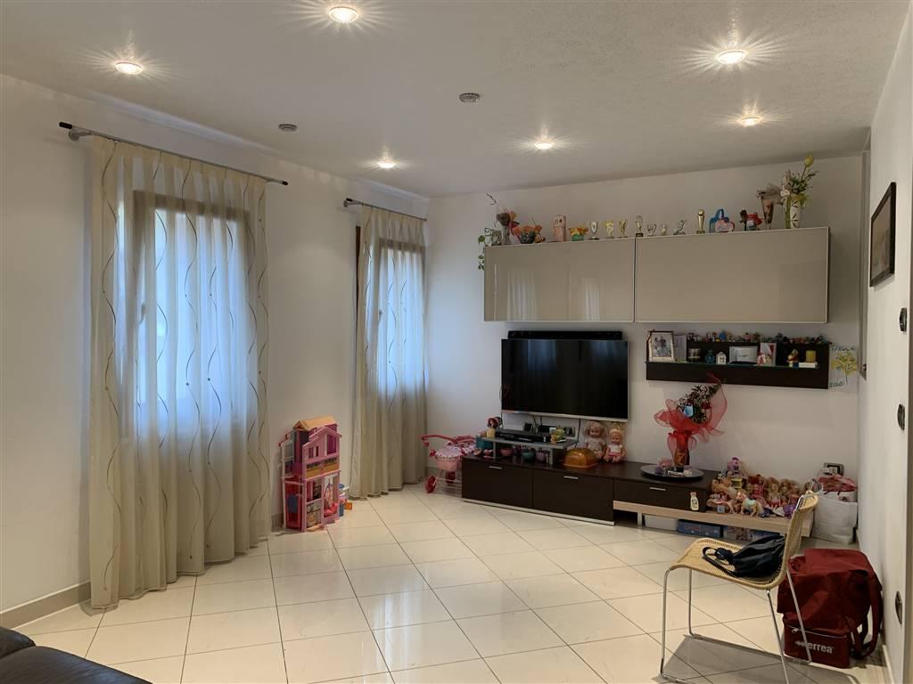 Rif. 2806 CHIOGGIA CENTRO STORICO - Appartamento di 60 mq al primo secondo di una palazzina di sole 3 unità nel cuore di Chioggia in una calle larga