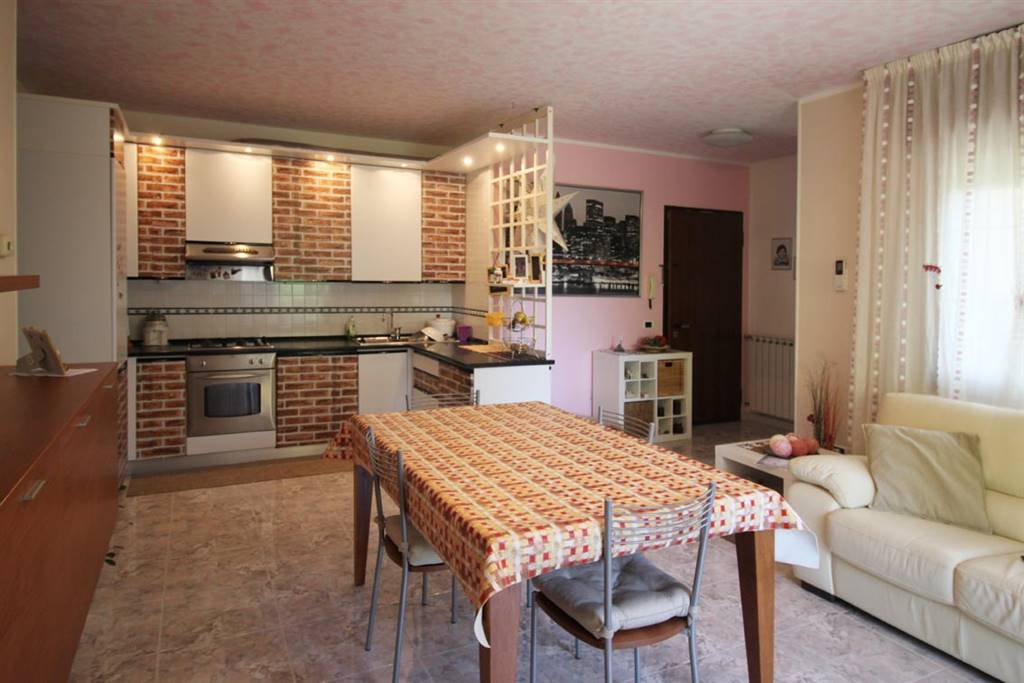 VOLTO, ROSOLINA, Apartment for sale of 75 Sq. mt., Good condition, Energetic class: E, placed at 1° on 1, composed by: 3 Rooms, Kitchenette, , 2