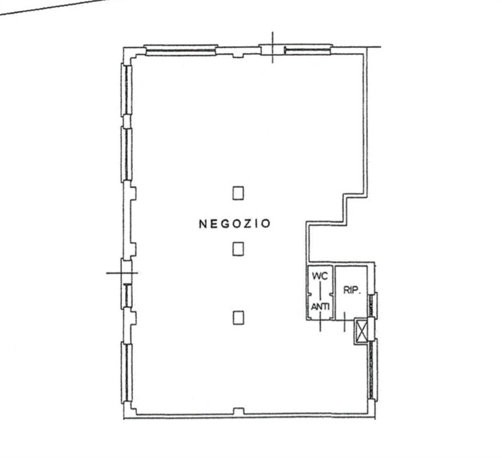 Rif. 2302A BORGO SAN GIOVANNI - Negozio di circa 146 mq in centro a Borgo San Giovanni attualmente locato composto da ampia zona vendita con 4 grandi