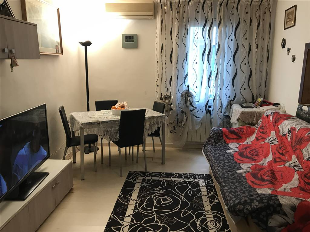 CHIOGGIA CENTRO, CHIOGGIA, Apartment for sale of 50 Sq. mt., Habitable, Heating Individual heating system, Energetic class: G, placed at 1° on 2,