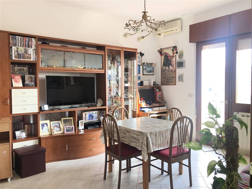 Appartamento in vendita a Chioggia, 5 locali, zona Località: TOMBOLA, prezzo € 129.000 | PortaleAgenzieImmobiliari.it