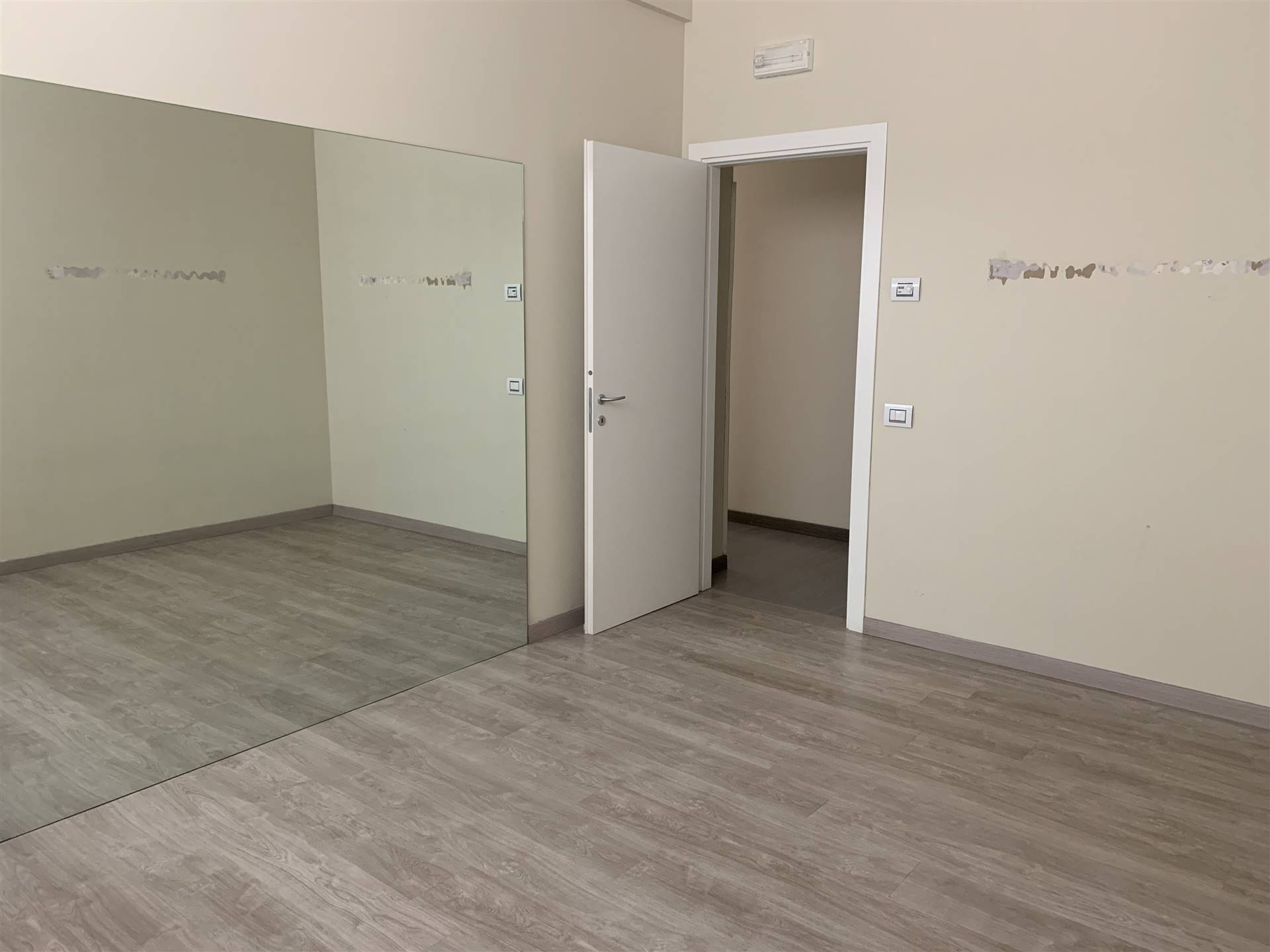 SOTTOMARINA, CHIOGGIA, Shop for rent of 150 Sq. mt., Restored, Heating Individual heating system, Energetic class: G, placed at Ground on 3, composed
