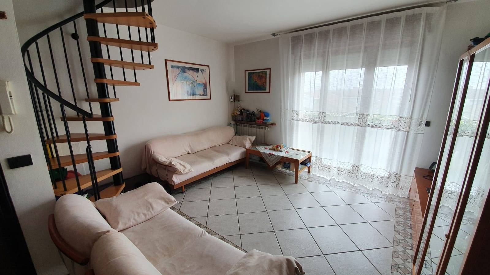 SOTTOMARINA, CHIOGGIA, Apartment for sale of 92 Sq. mt., Good condition, Heating Individual heating system, Energetic class: G, placed at 4° on 4,