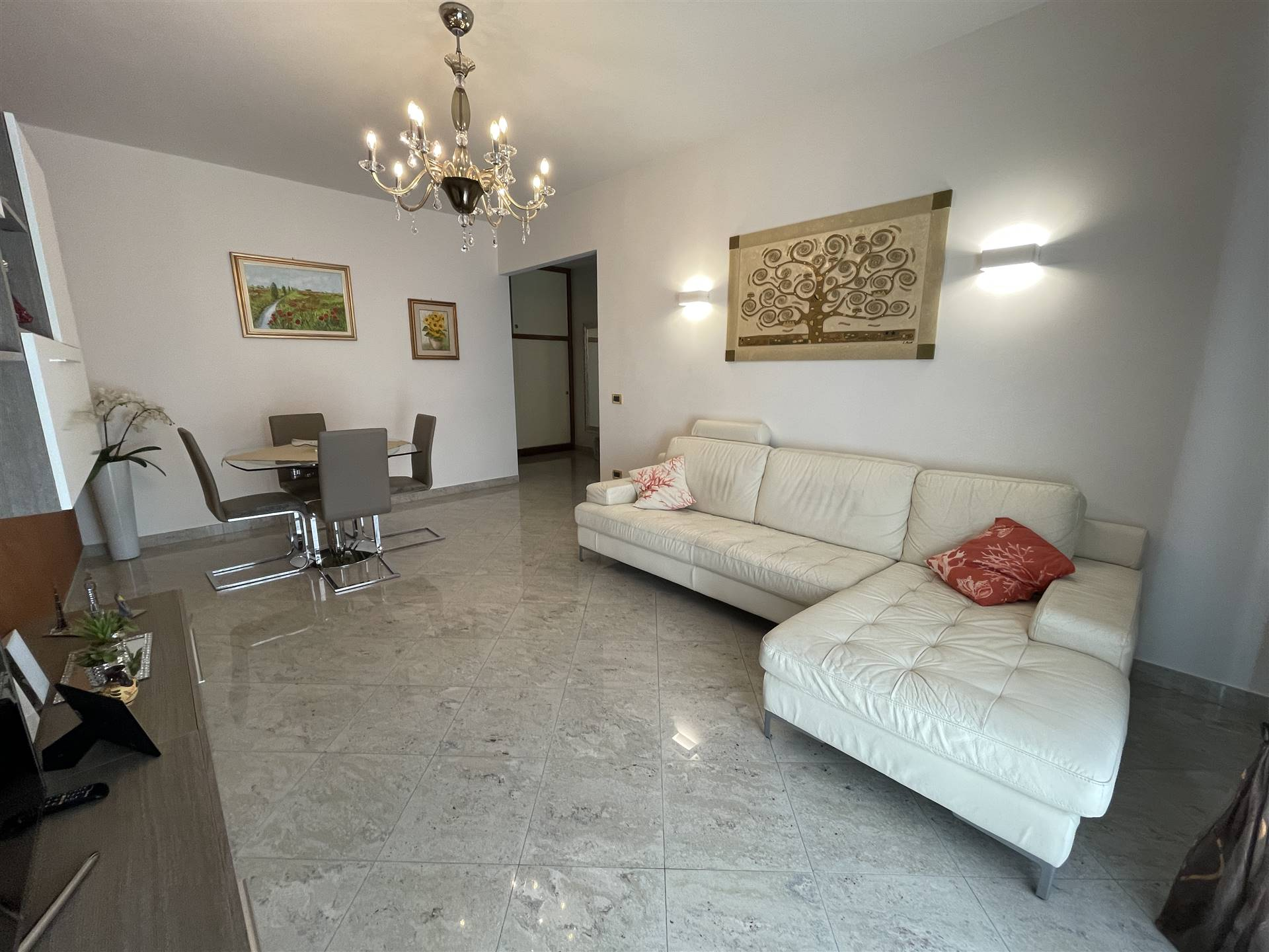 SALONI, CHIOGGIA, Apartment for sale, Excellent Condition, Heating Individual heating system, Energetic class: G, placed at 2° on 5, composed by: 5