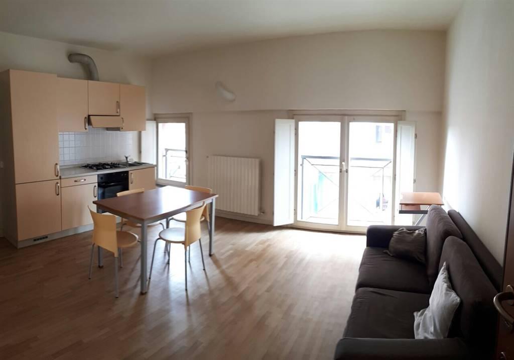 Appartamento in affitto a Crema, 2 locali, zona Località: ADIACENZE PIAZZA GARIBALDI, prezzo € 480 | CambioCasa.it