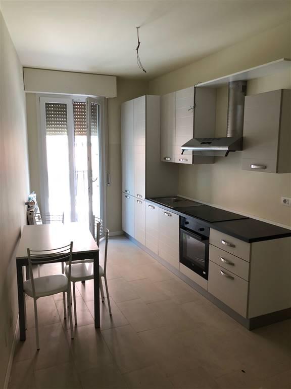 Appartamento in affitto a Crema, 3 locali, zona Località: ADIACENZE PIAZZA GARIBALDI, prezzo € 600 | CambioCasa.it