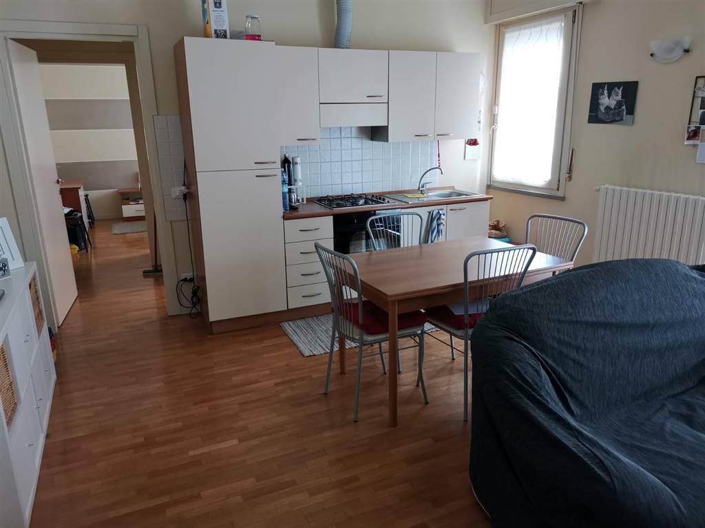 Appartamento in affitto a Crema, 2 locali, zona Località: ADIACENZE PIAZZA GARIBALDI, prezzo € 450 | CambioCasa.it