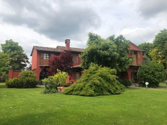 Villa in vendita a Madignano, 7 locali, prezzo € 470.000   CambioCasa.it