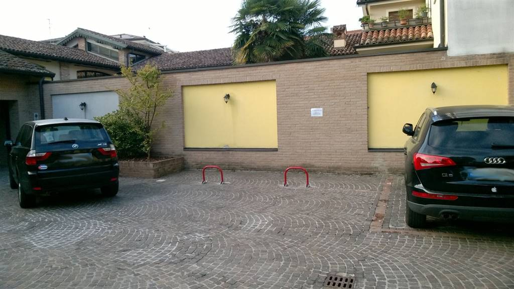 Box / Garage in affitto a Crema, 1 locali, zona Località: CENTRO ESTERNO MURA, prezzo € 46 | CambioCasa.it