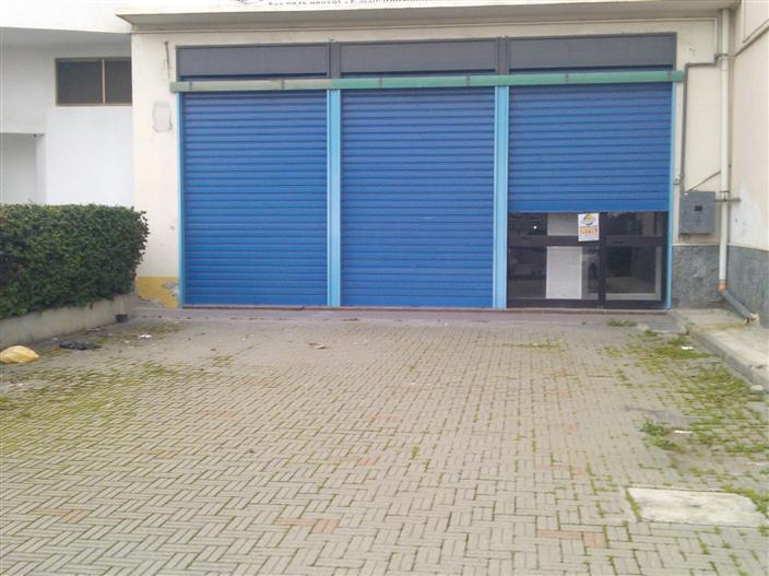 Negozio / Locale in affitto a Policoro, 2 locali, prezzo € 1.700 | CambioCasa.it