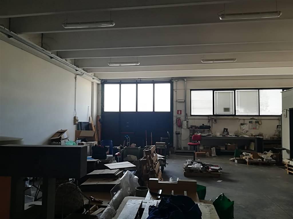 LaboratoriFirenze - Laboratorio, San Lorenzo, Campi Bisenzio, in ottime condizioni