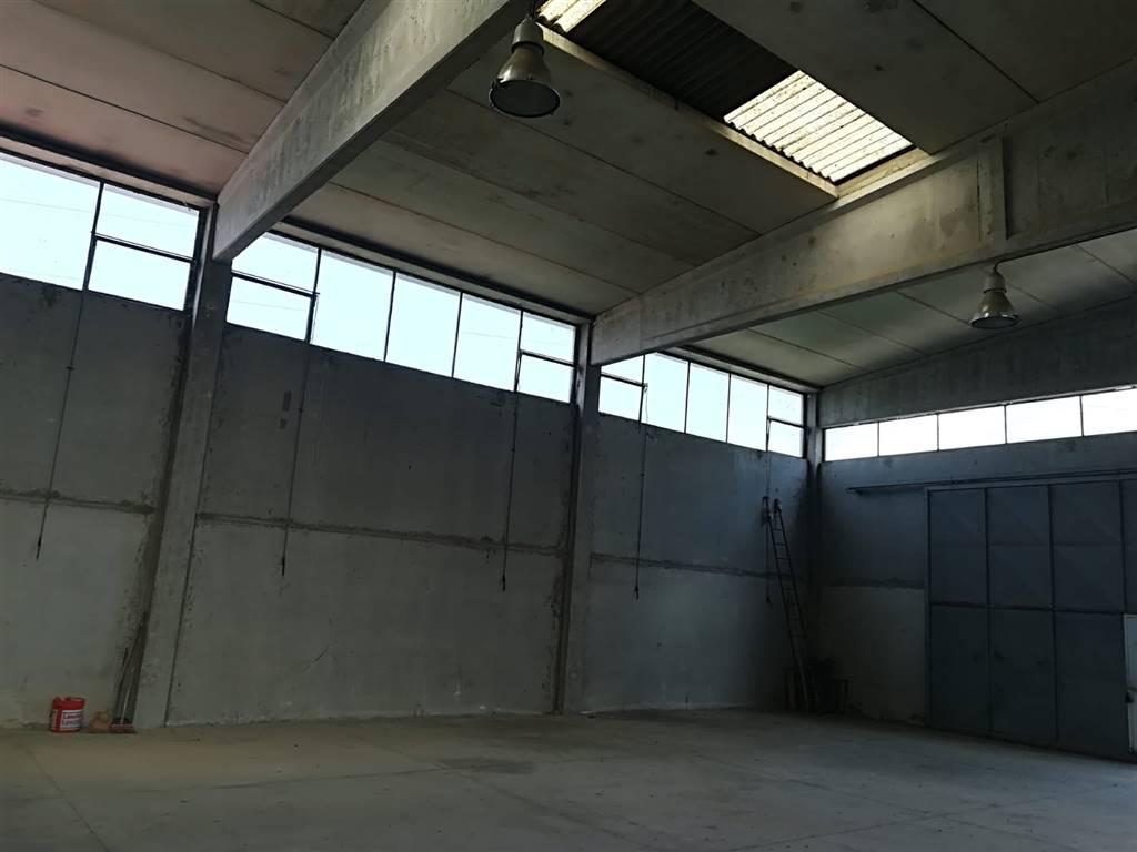 COLLI ALTI, SIGNA, Capannone industriale in vendita di 360 Mq, Ottime condizioni, Riscaldamento Autonomo, Classe energetica: G, Epi: 65 kwh/m3 anno,
