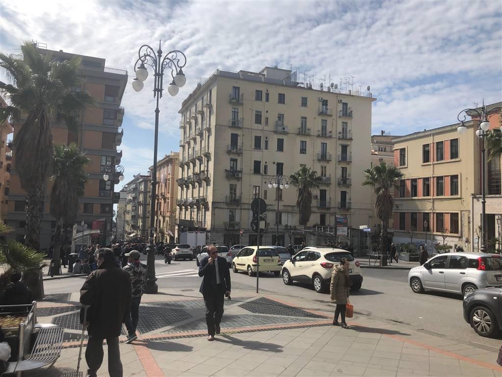 Negozio in Via G.v.quaranta, Centro, Salerno