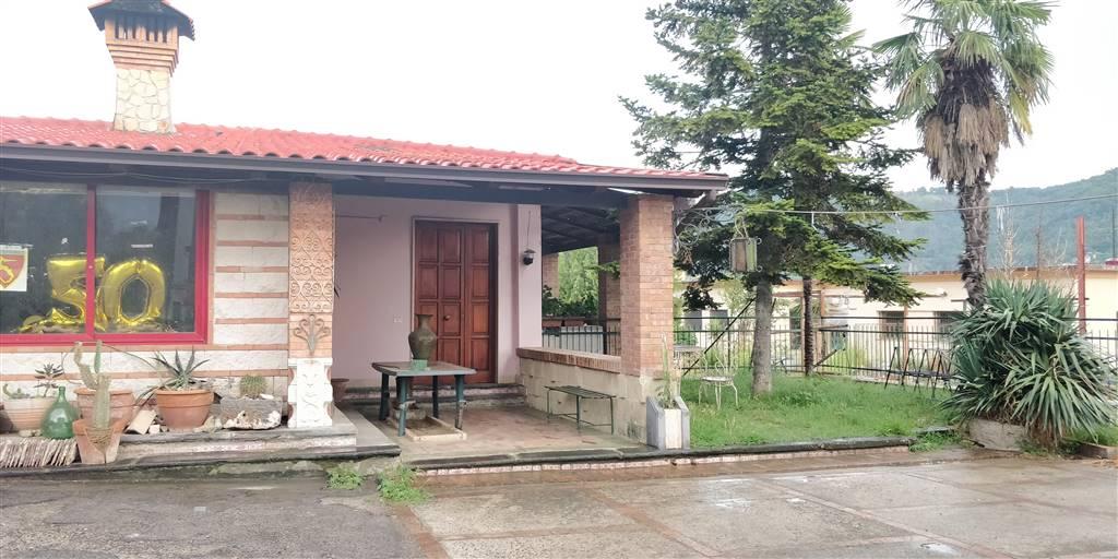 Casa semi indipendente in Via E. Iandolo 19, Pastorano, Salerno