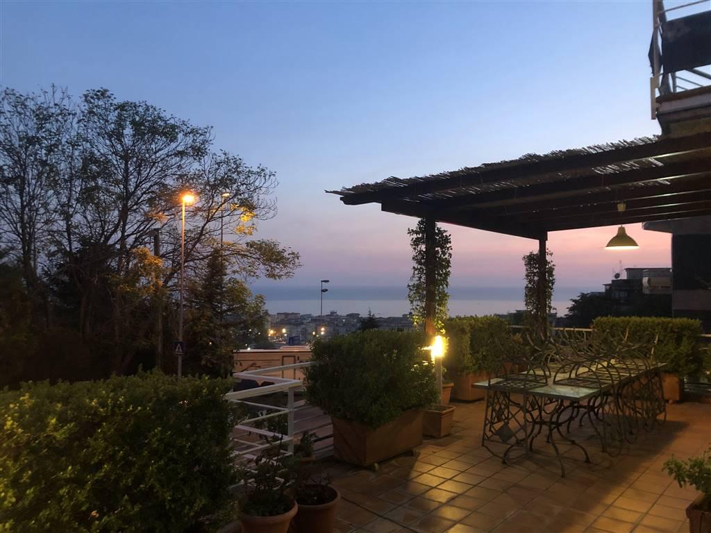 Quadrilocale, Ginestre , Sala Abbagnano , Panoramica , Casa Manzo, Salerno, in ottime condizioni