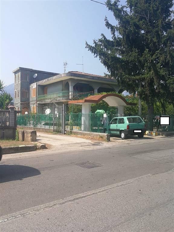 Villa, Giffoni Sei Casali