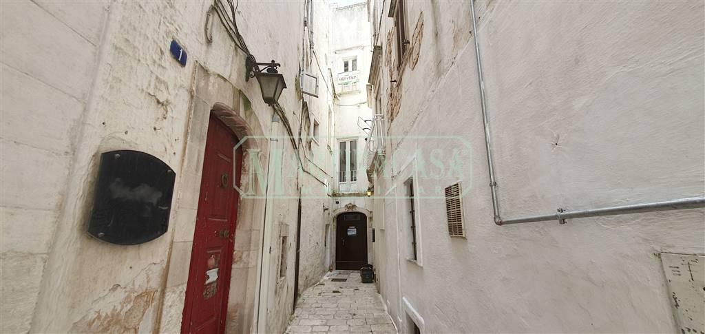 Appartamento in vendita a Martina Franca, 3 locali, zona Località: CENTRO STORICO, prezzo € 45.000 | CambioCasa.it