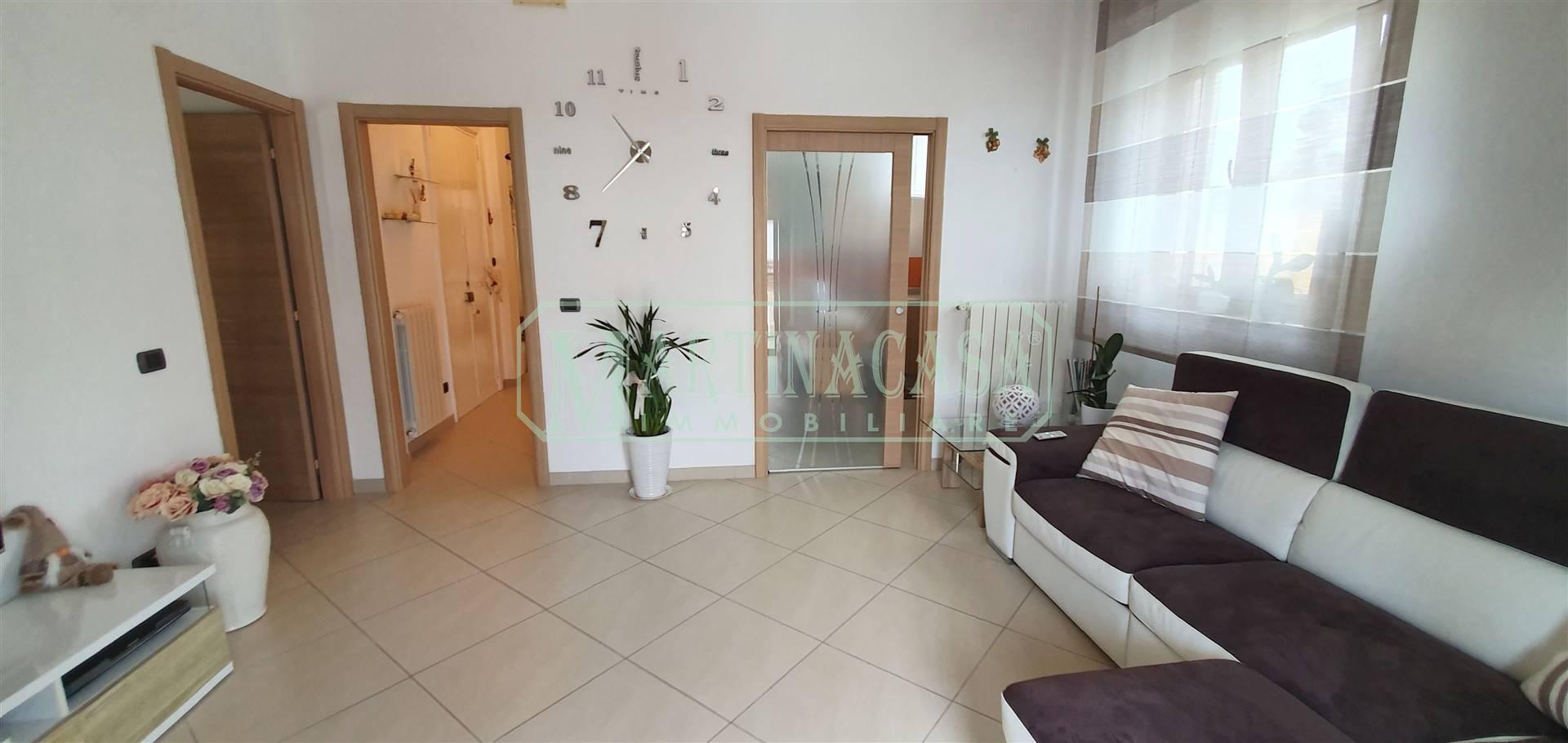 Appartamento in vendita a Martina Franca, 3 locali, zona Località: CENTRO STORICO, prezzo € 125.000 | CambioCasa.it