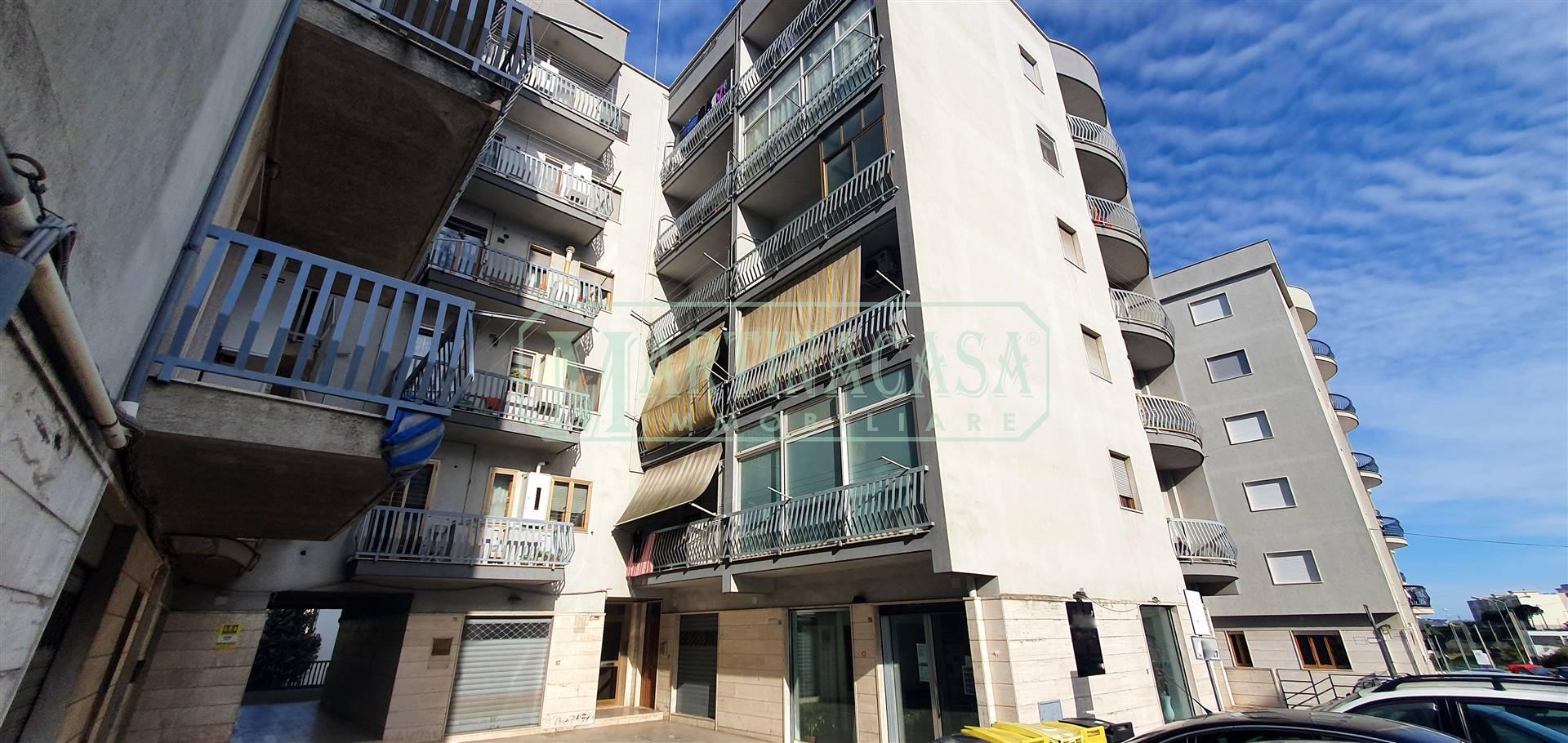 Appartamento in affitto a Martina Franca, 3 locali, zona Località: VIA ALBEROBELLO, prezzo € 500   CambioCasa.it