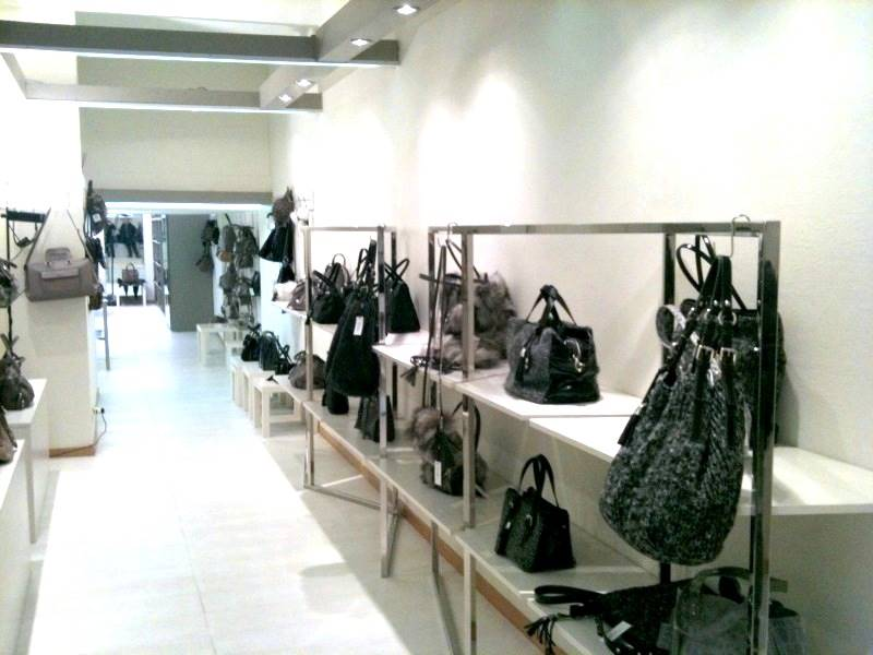 Locale commerciale in Via Cassiodoro 24, Fiera, Firenze, Sempione, Paolo Sarpi,arena, Milano