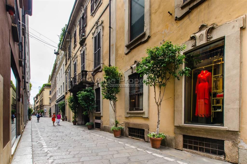 Appartamento in vendita a Milano, 6 locali, zona Località: QUADRILATERO, prezzo € 2.000.000 | CambioCasa.it