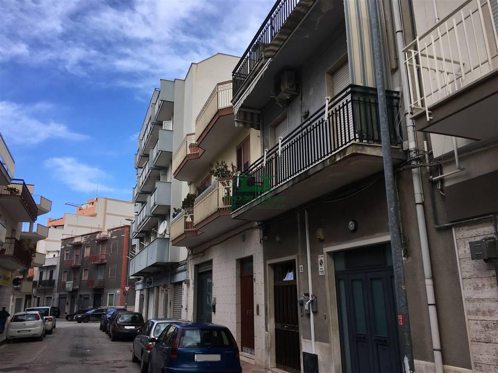 Appartamento in vendita a Andria, 2 locali, zona Località: SEMICENTRO, prezzo € 75.000 | CambioCasa.it