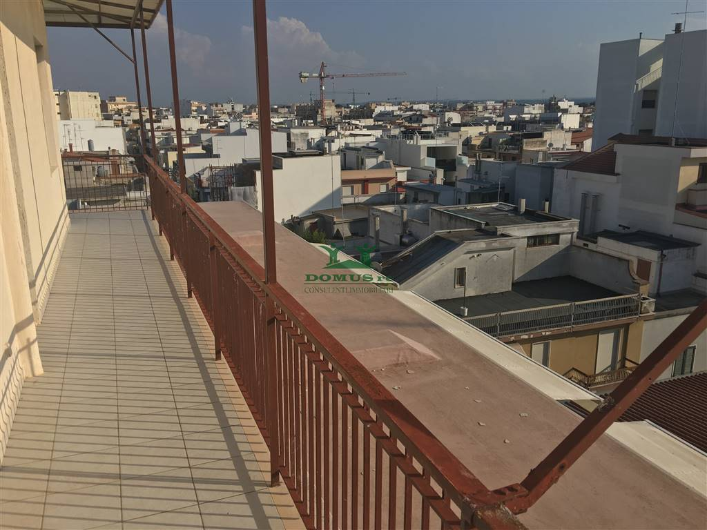 Appartamento in vendita a Andria, 3 locali, zona Località: CENTRO, prezzo € 140.000 | CambioCasa.it