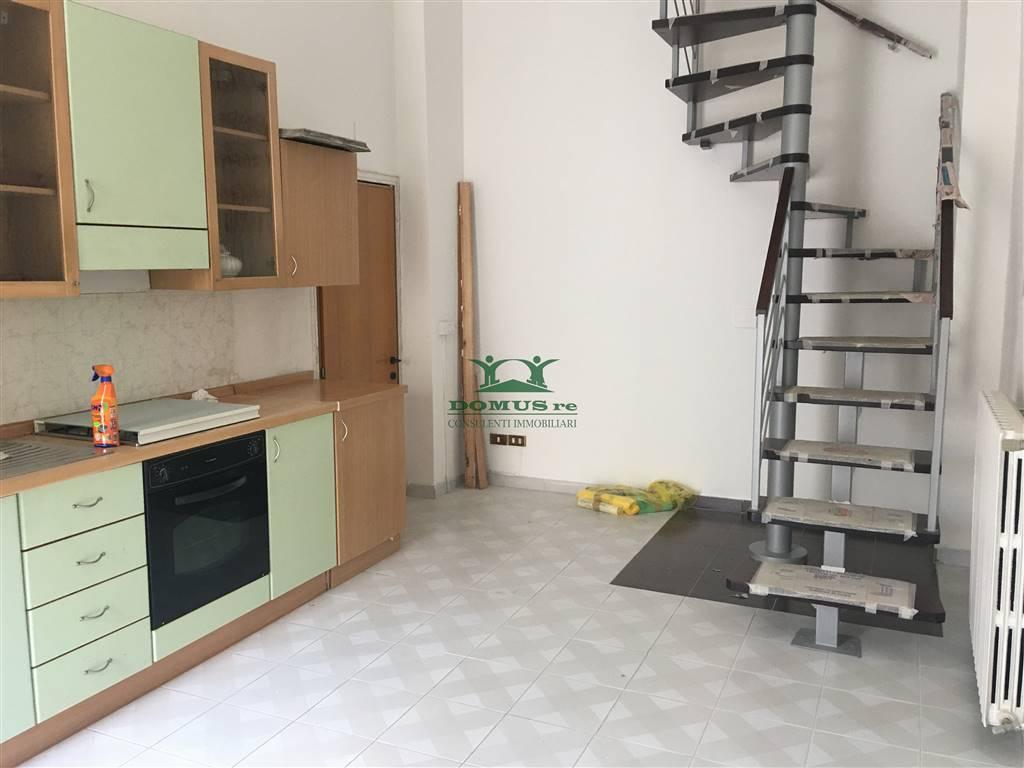 Soluzione Semindipendente in vendita a Andria, 2 locali, zona Località: CENTRO, prezzo € 80.000 | CambioCasa.it