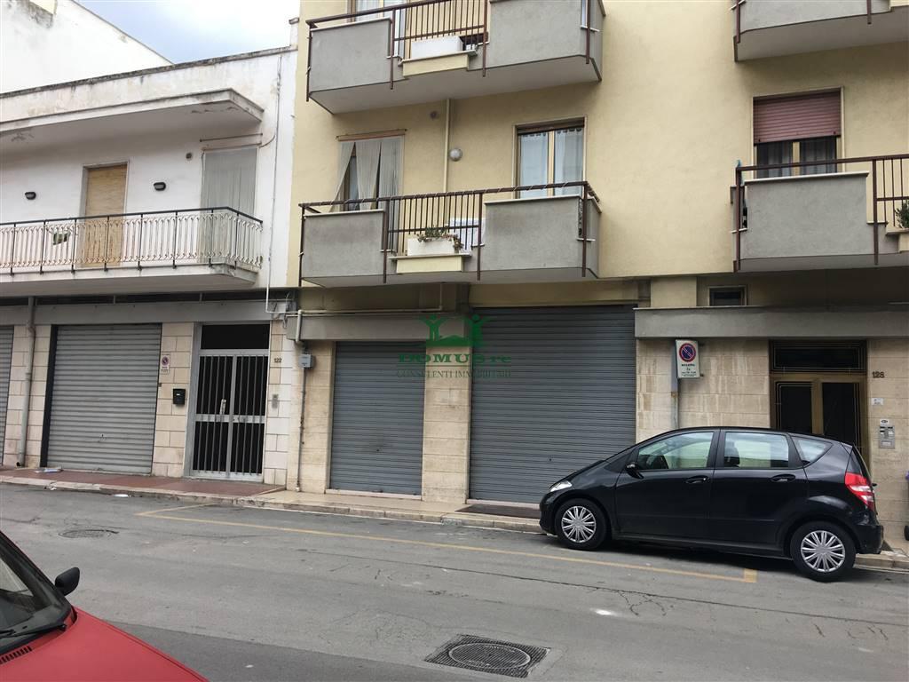 Immobile Commerciale in affitto a Andria, 1 locali, zona Località: SEMICENTRO, prezzo € 800 | CambioCasa.it