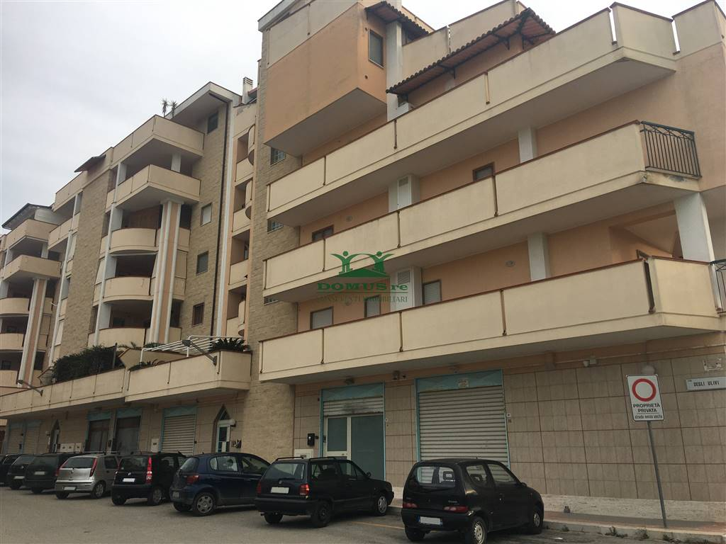 Appartamento in vendita a Andria, 3 locali, zona Località: SEMICENTRO, prezzo € 150.000 | CambioCasa.it
